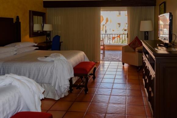 Cabo San Lucas | Baja Mexico | Christmas | Resort | Hacienda Del Mar | Sheraton Grand Los Cabos | wheelchair accessible | bedroom suite