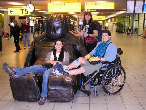 BPO Elks | Deer hide | Gloves | Fingerless Gloves | Wheelchair Accessory | Accessible Travel | Veterans | Amsterdam | Schiphol Airport