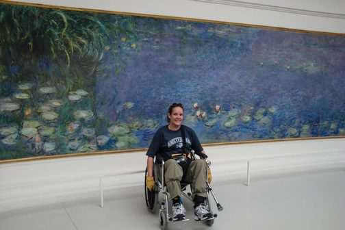 BPO Elks | Deer hide | Gloves | Fingerless Gloves | Wheelchair Accessory | Accessible Travel | Veterans | Paris | Musée de l'Orangerie
